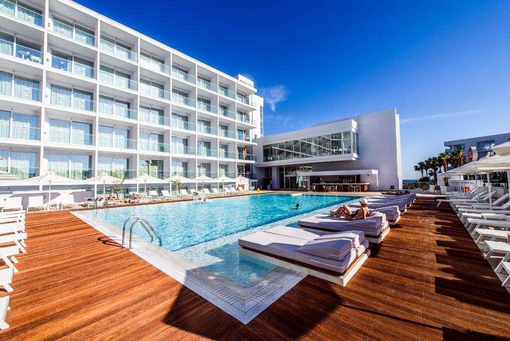 Eleana Hotel Apartments
