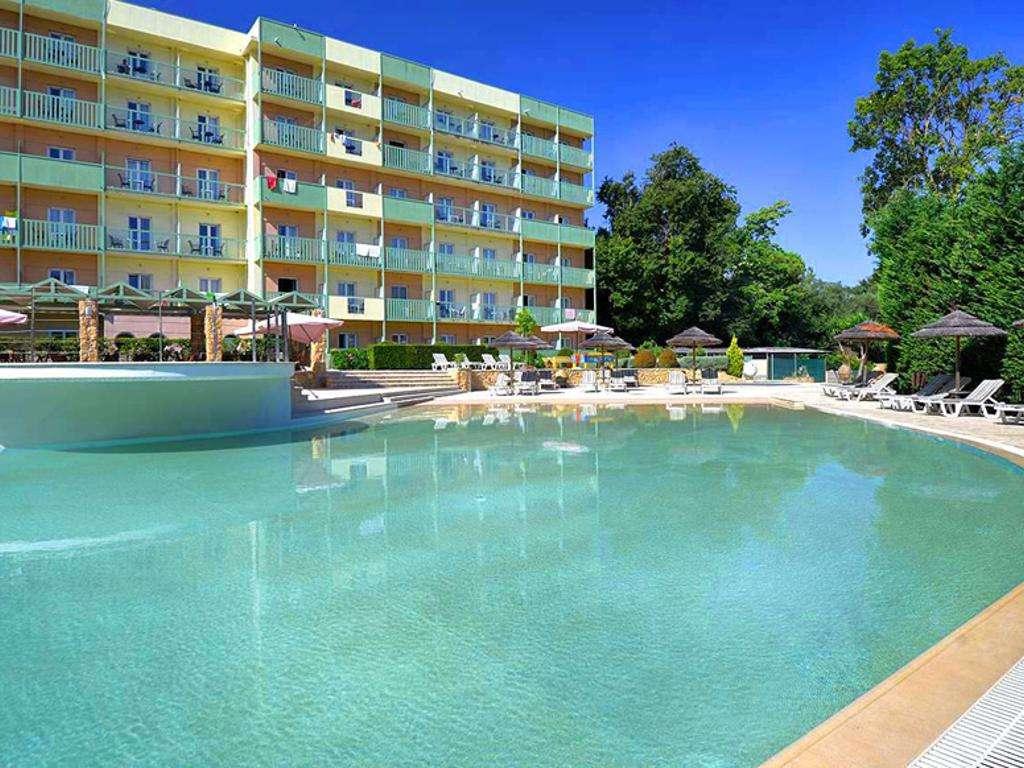 Ariti Grand Hotel